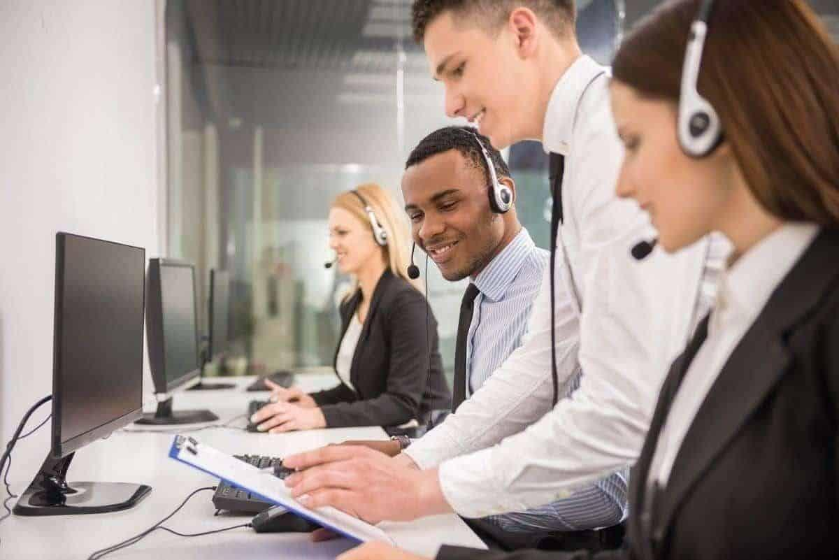 Live Virtual Receptionists Tailored to Your Business